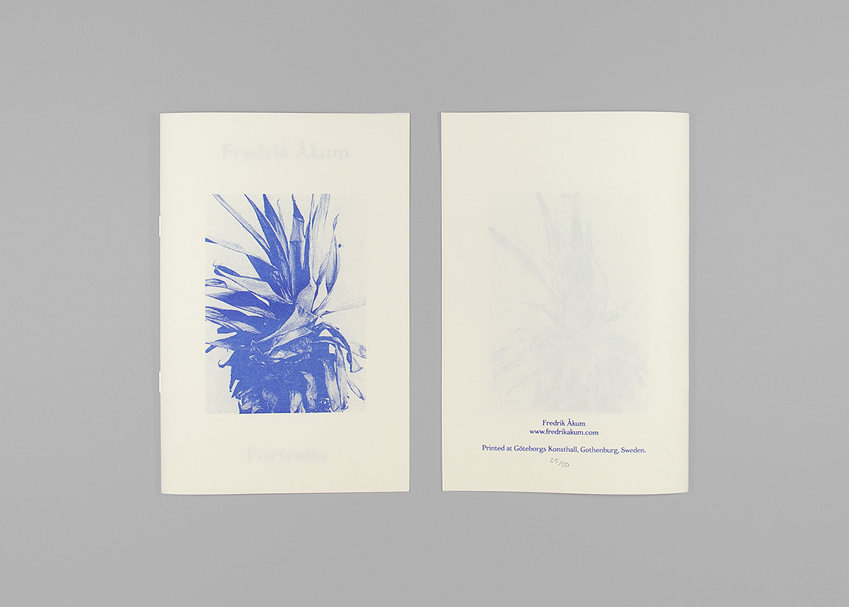 Front, Portraits (2014), 14,8 x 21 cm, 1 color Risograph print, 16 pages, edition of 50.